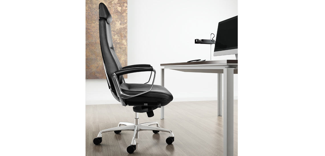 Side of Liven office chair with the Oseries table in silver leg finish.